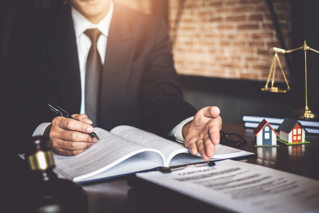 Conseils efficaces pour changer votre avocat