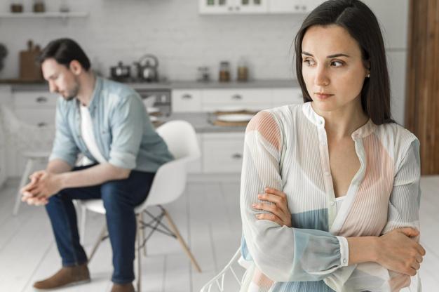Les facteurs sociaux qui conduisent à une procédure de divorce